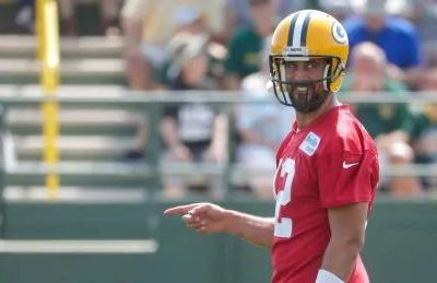 Packers QB Aaron Rodgers expected to play pre-season game in Winnipeg