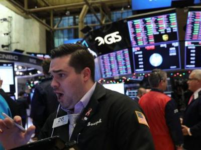 Recession fears trigger 'sea of red' in stock markets as traders flee to safety