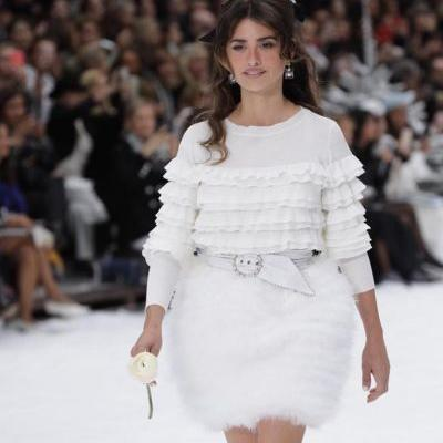 Penélope Cruz just walked at Karl Lagerfeld's final Chanel show