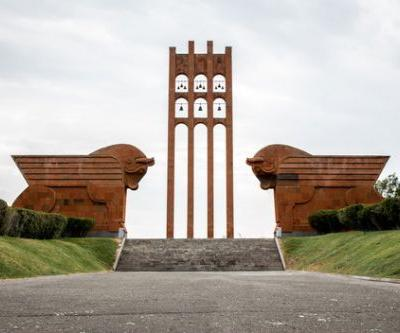 The Doomed Monuments of Revolutionary Europe Through the Lens of Darmon Richter