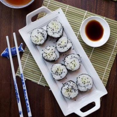 Easy Vegan Cucumber Sushi Roll