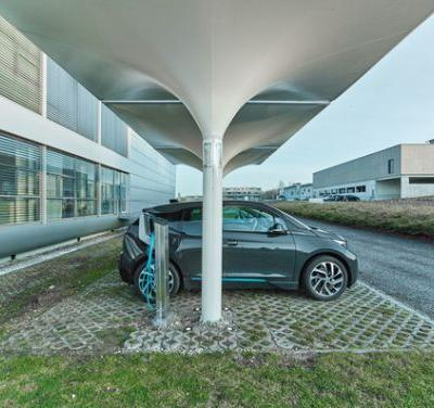 Energy Harvesting: Charge Your Car in 3 Hours at This Solar Powered Electric Station