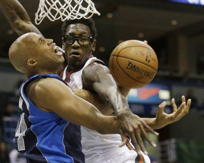 Cavaliers meet with free-agent center Larry Sanders, sign Derrick Williams to second 10-day contract