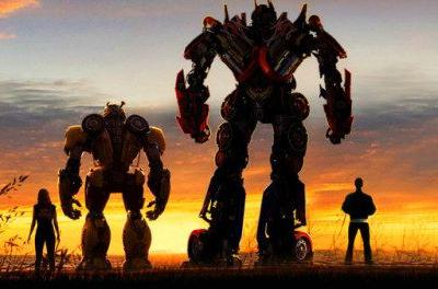 Bumblebee Comic-Con Footage Reveals Cybertron and Holographic