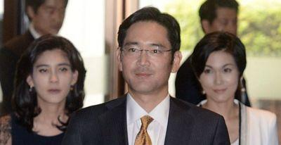 Samsung leader Jay Y. Lee arrested on corruption & bribery charges amid ongoing investigation