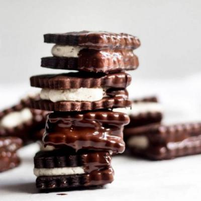 Chocolate Halva Sandwich Cookies