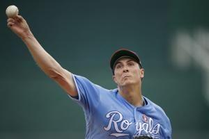 Royals trade right-hander Bailey to A's for prospect