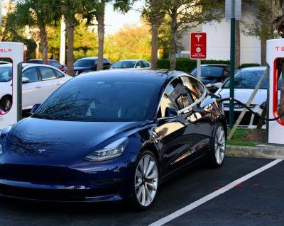 Analyst slashes his Tesla price target due to 'meager demand' and Model 3 'delivery issues'