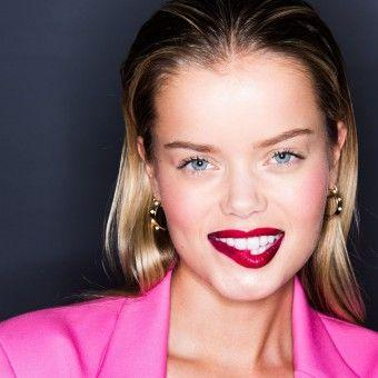 How to Beauty: A Glossy Ombre Red Lip