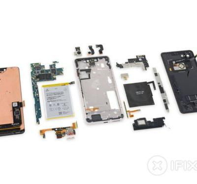 IFixit rips open the Pixel 3 XL, finds a Samsung display panel