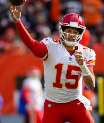 NFL QB Hot Sheet: Patrick Mahomes, Jared Goff square off in huge Chiefs-Rams matchup