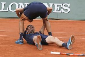 French pair Mahut-Herbert wins French Open men's doubles