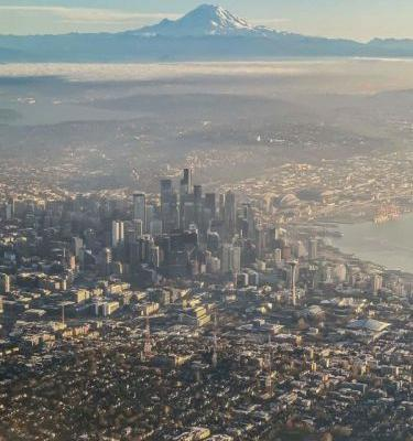Photographer Captures Seattle Lined Up with Mt. Rainier