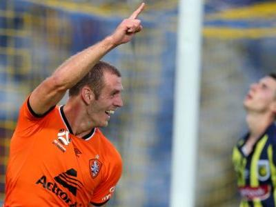 Central Coast Mariners and Brisbane Roar share points in A-League basement battle