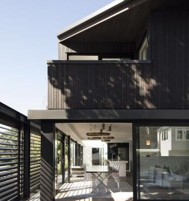 The Tailored Home / Lloyd Hartley Architects
