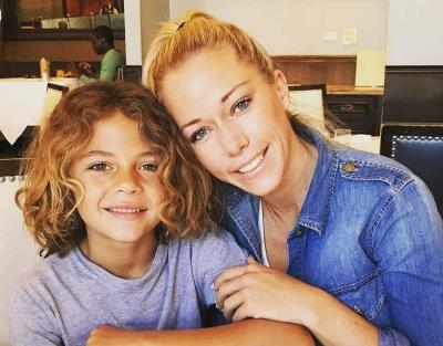 Kendra Wilkinson Says She Signed Last Divorce Paper On Friday: 'I Gave It All I Got'
