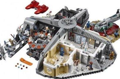 Massive LEGO Star Wars Cloud City Set Is Truly Jaw-DroppingNow