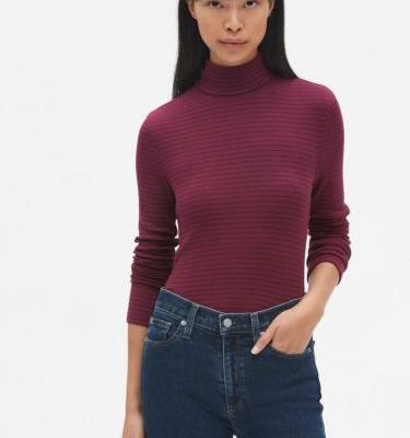 The Top 10 Bestselling Items At The Gap Right Now