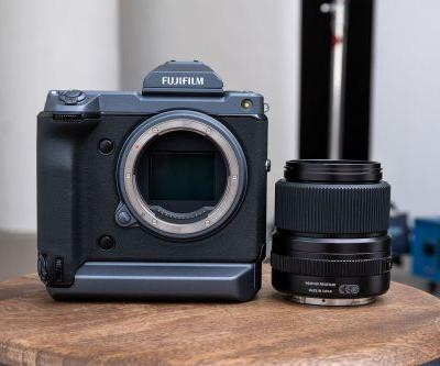Fujifilm's GFX 100 is a medium format camera that performs like a mirrorless