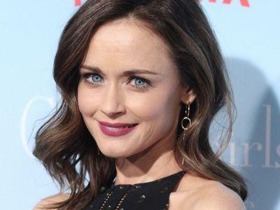 Alexis Bledel Wants A Third Sisterhood Of The Traveling Pants As Badly As You Do