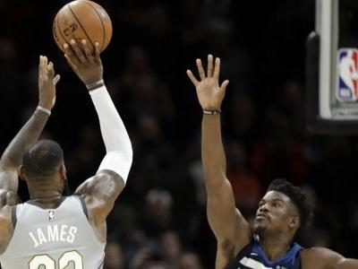LeBron's last-second shot gives Cavaliers OT win