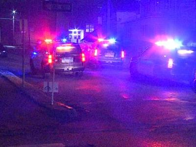 Council Bluffs police officers fight with suspect possibly deploy taser, near 6th and Mills streets