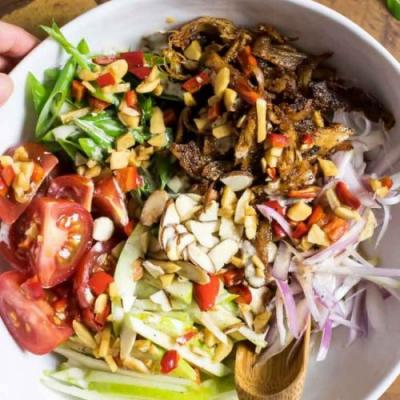 Paleo Crispy Thai Chicken Salad