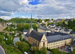 Luxembourg makes all public transport free