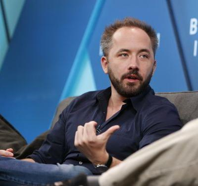 Dropbox is temporarily halting its recruiting efforts, in a blow for tech workers seeking jobs as startups ramp up mass layoffs