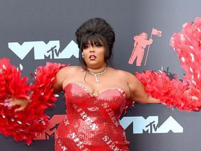 See What Lizzo (and Some Other People Who Were There, Too) Wore to the 2019 MTV VMAs