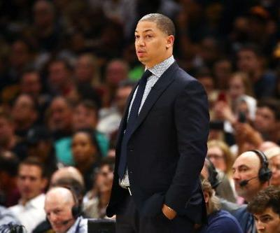 Cavs coach Lue to talk LeBron with Lakers' Walton