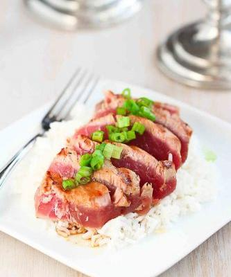Seared Ahi Tuna with Soy Ginger Sauce
