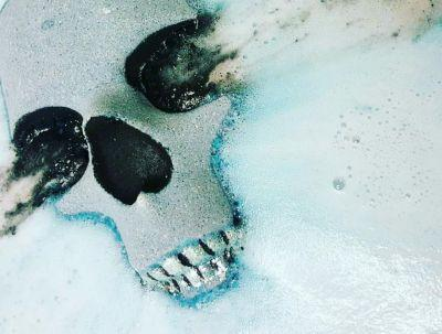 Every goth needs these skull shaped bath bombs