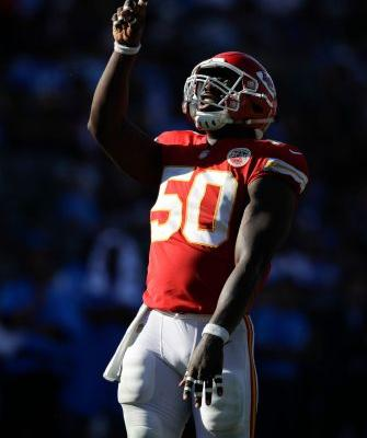 Smith, Chiefs start quick, beat Chargers 24-10 to go 3-0