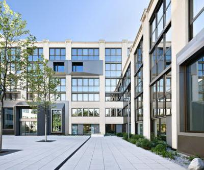 Peak Office Building / Oliv Architekten Ingenieure
