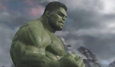 The Thor: Ragnarok Comic-Con Trailer Lets Hulk Talk Way More Than Before