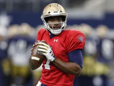 Report: Notre Dame backup QB Brandon Wimbush to transfer after college playoff