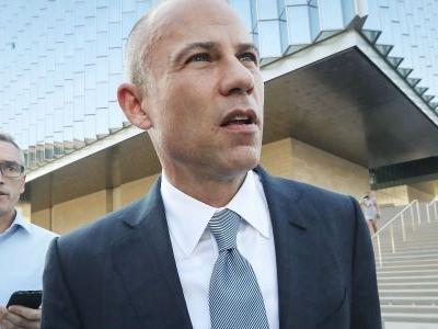 Some Democrats see Michael Avenatti's entry into the Brett Kavanaugh scandal as a 'distraction'