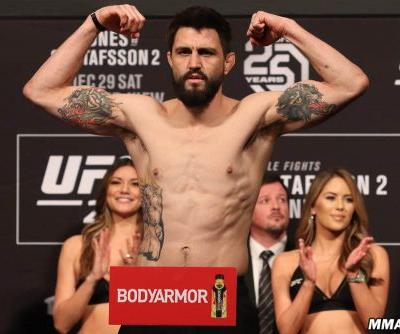 UFC 232 main-card breakdown: Clinch control key to Carlos Condit vs. Michael Chiesa