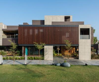 The Screen House / The Grid Architects
