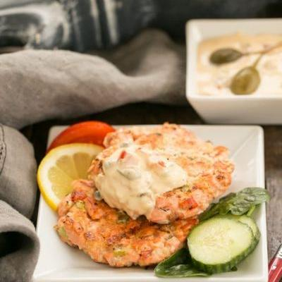 Homemade Remoulade Sauce and Salmon Cakes