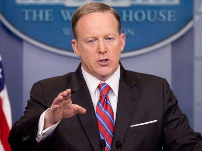 'Stop shaking your head': Sean Spicer unloads on reporter who asks about Trump-Russia connections