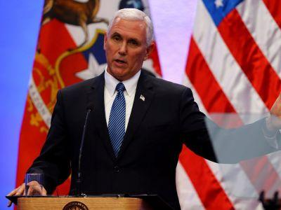 Pence stands with Trump as pressure mounts to rebuke his Charlottesville comments