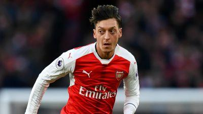 VIDEO: Ozil blasts Alexis and Monreal for fan snub after Chelsea defeat