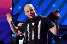 Top 3 Political Moments of the Latin Grammys 2017: Residente Dedicates Award To 'Real MCs'