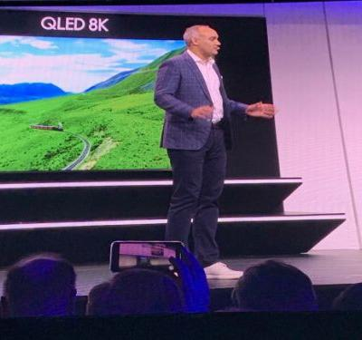 Samsung wants us to buy 98-inch 8K TVs with 33 million pixels