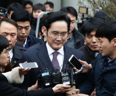 Samsung's top executive gets 30 months in prison for bribery
