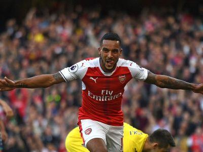 Walcott scores 100th Arsenal goal