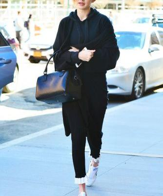 We're DMing Your Stylist About These Treggings, Gigi Hadid