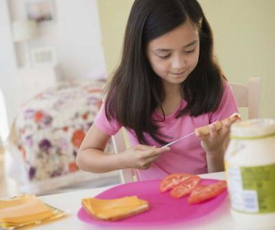 Yes, your third grader should be making their own school lunch, this doctor says